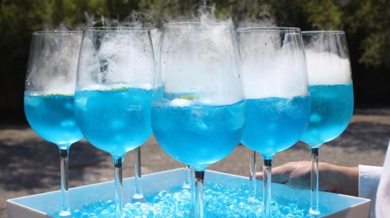 Classic Blue, colore Pantone del 2020 anche per il pranzo di nozze?